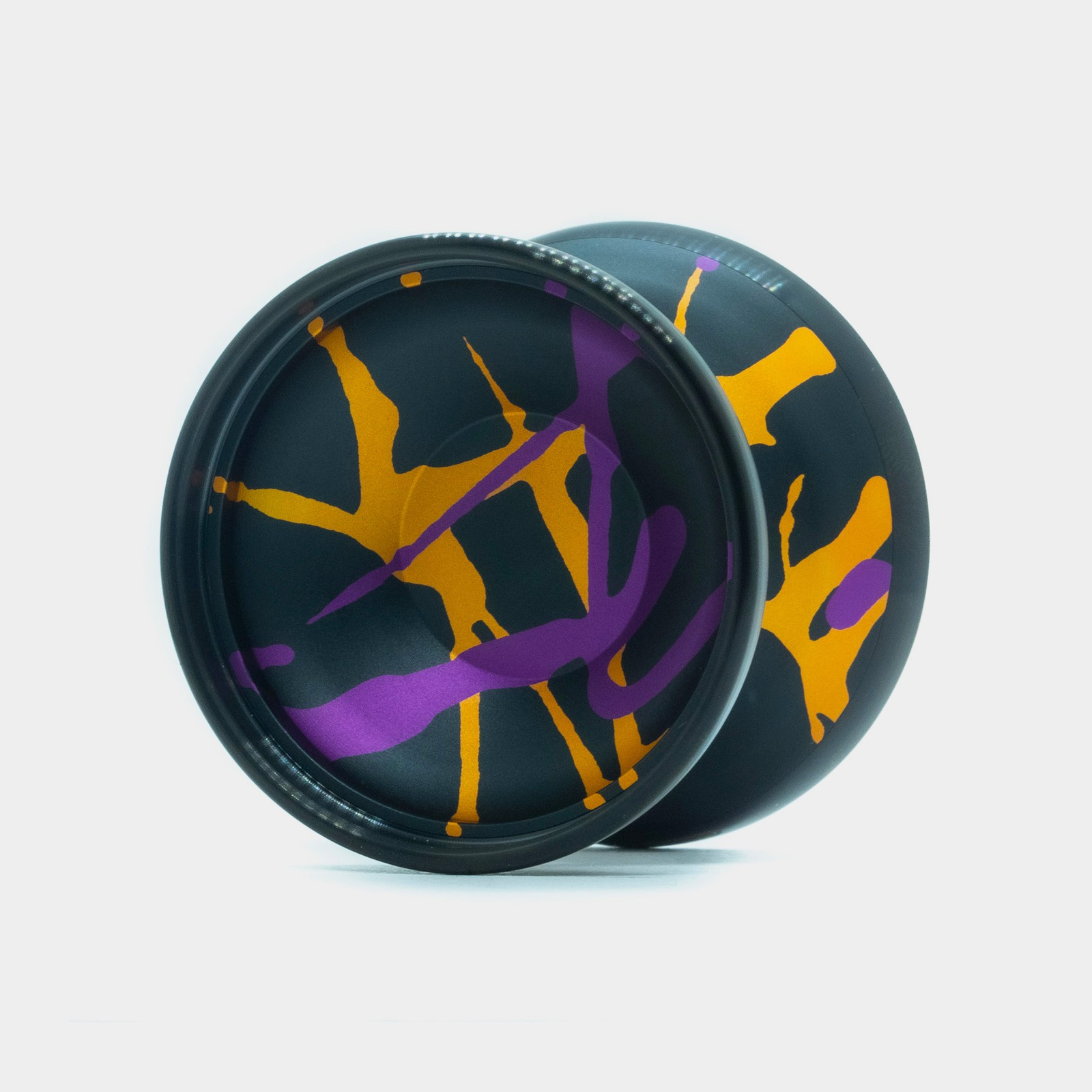Grasshopper GTX yo-yo in Black / Gold / Purple by Duncan